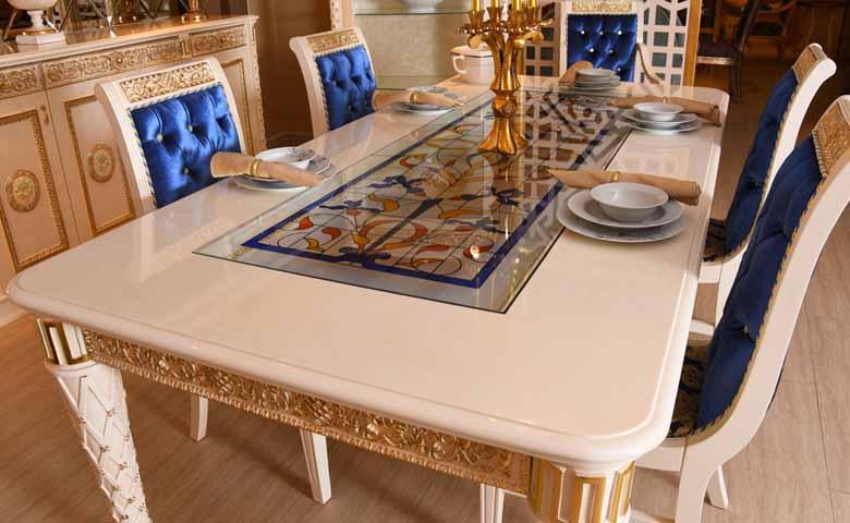 vitraylı yemek odası masası
