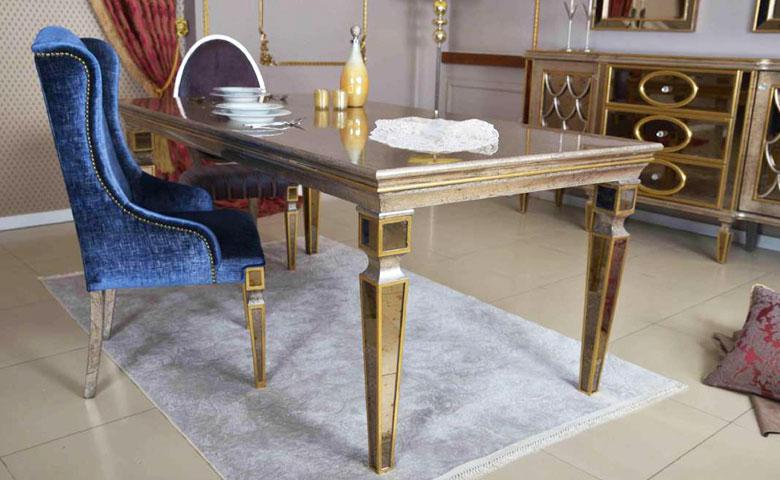 Klasik yemek odası masa