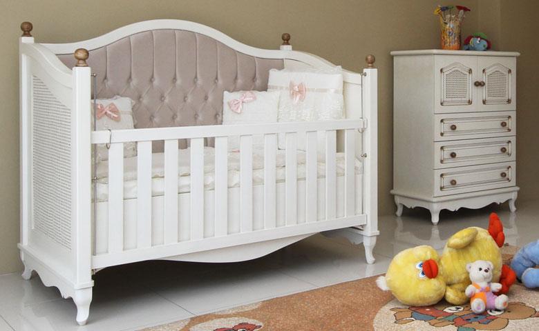 Klasik bebek odası takımı