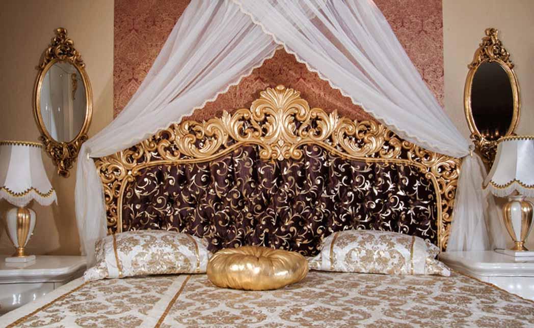 altın varaklı klasik yatak  odası