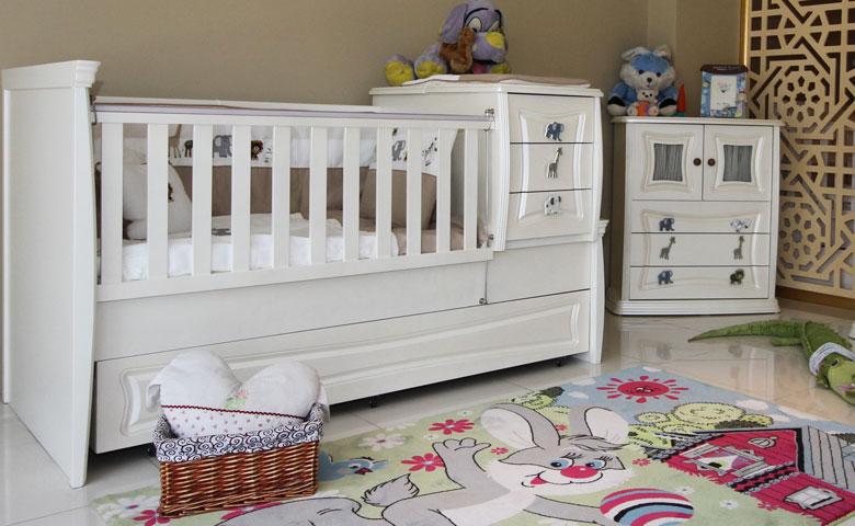 Klasik bebek odası beşik