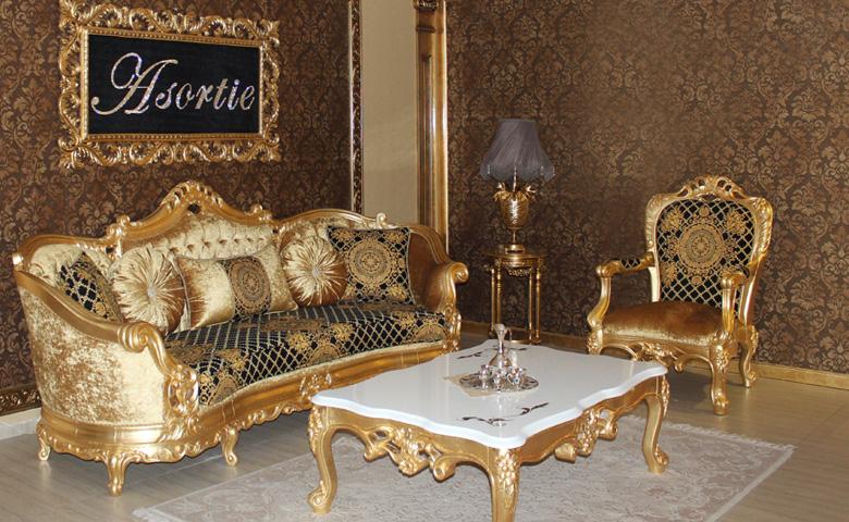 Klasik altın varaklı koltuk takımı