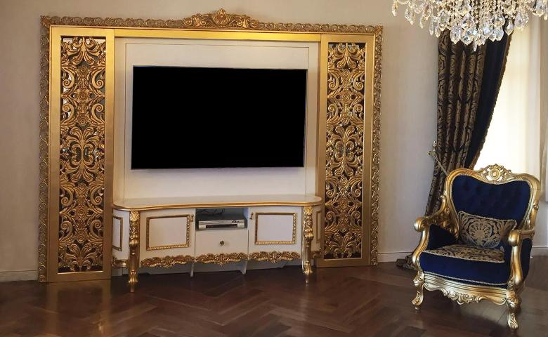 Klasik altın varaklı duvar ünitesi