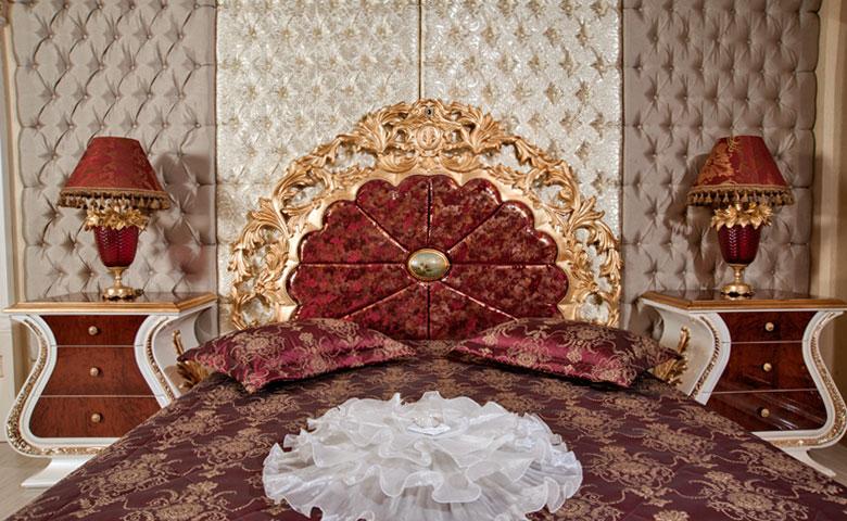 varaklı taçlı klasik yatak odası