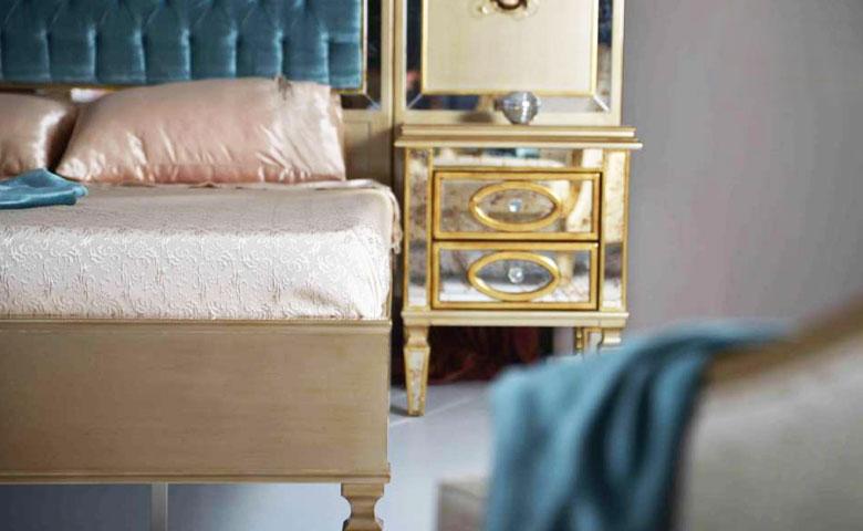 Klasik yatak odası karyola komodin